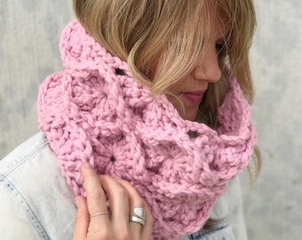 Chunky Crochet Cowl Pink Infinity Circle Scarf / Fire Lily Cowl