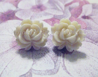Cream Vintage Style Rose Clip On Earrings