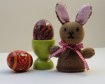 Knitted bunny egg cosy, Easter rabbit egg cosy, Knitted brown rabbit egg cosy, Spring bunny egg cosy, Bunny egg cover, Rabbit lovers gift