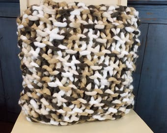 Bulky knit pillow - Square pillow