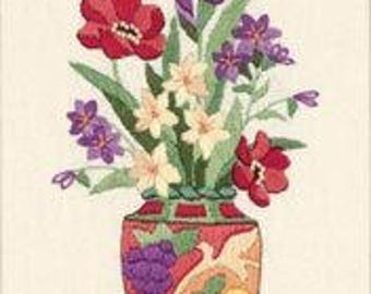 Elegant Floral crewel embroidery kit