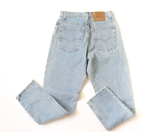 Levis Blue Jeans 550 Relaxed Fit Tapered Leg High Waisted Denim 90s Pants 1990s Grunge Hi Rise Faded Size 9 Small Medium Size 28 29 30 29x30