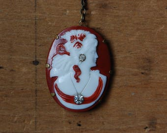 Vintage 1930s molded celluloid cameo habillé necklace with beaded chain