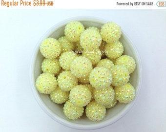 SALE 20mm Pastel Yellow AB Rhinestone Chunky Beads Set of 10, Spring Yellow Bubble Gum Beads, Acrylic Beads