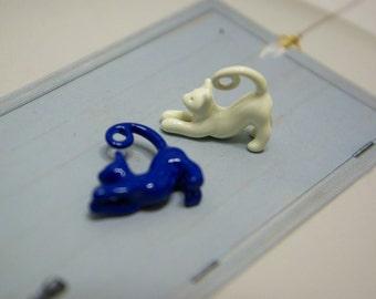 Blue Cat & White Cat Metal Pendants (Size: 2cm W x 1.5cm H)