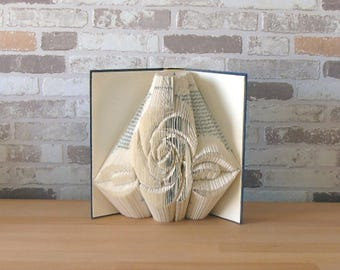 Folded book-rose//Bookfolding//Book art//book type//gift//decoration//Love//Friendship//Flower Lover