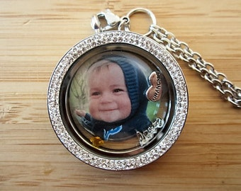 Mom or Grandma Extra large locket! Christmas gift for grandma 39 mm locket with photo charm, mom or grandma heart,gift for grandma, photo