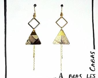 Effect triangle earrings
