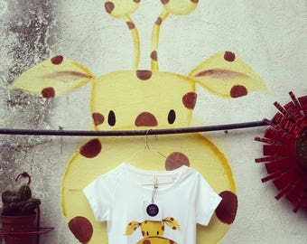 Tshirt Giraffe Hand Painted organic cotton * handpainted organic cotton