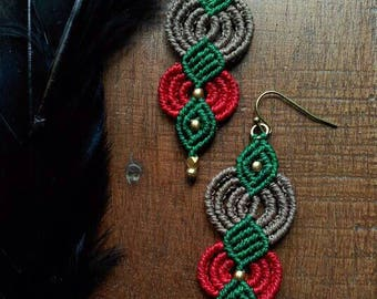 Color waves earrings and brass beads