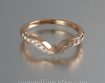 DELIGHT 14K rose gold wedding band with diamonds