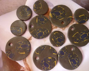 DISCREET YELLOW NAVY FLOWER CABOCHONS