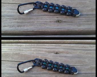 "Handmade 4.5"" Black Skull 550 Paracord Translucent Pony Bead Keychain Dangle Aluminum Screw Closed Carabiner Aerowave GlowInTheDark Cord End"