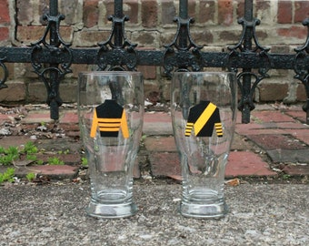 Sir Barton/War Admiral Pint Glass Set