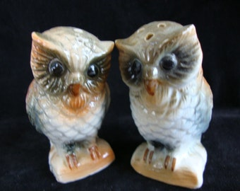 Vintage Collectible Owl Salt and Pepper Shakers