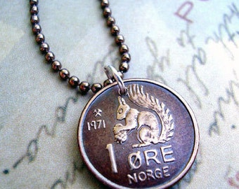Squirrel Necklace. Vintage 1971 1972 SQUIRREL COIN. Norway coin necklace. squirrel necklace. squirrel jewelry. coin jewelry. coin pendant