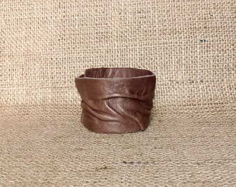 Handmade leather brown bracelet