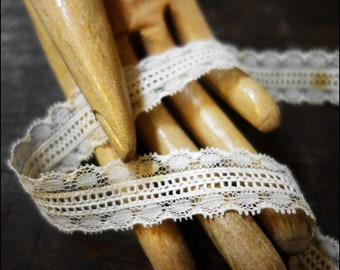 9,3m 10.2 yards delicate off-white vintage lace trim ribbon 22mm wide 1920 1930