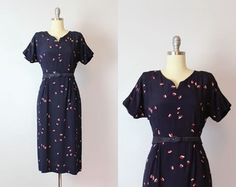 vintage 40s dress / 1940s printed cold rayon dress / red white and blue dress / abstract print dress / Kiss and Tell dress