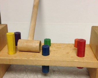 Wood toy pounding bench