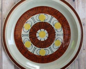 "Vintage Topaz Stoneware SUNBURST Set of 4 10.5"" Dinner Plates Ceramic Mid Century Sun and Crescent Moon Pattern Rustic Plate"