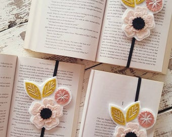 Flower Bookmark - Teacher Gift - Booklover Gift - Book Club Gift - Teacher Appreciation - Gift for Reader - Unique Bookmark