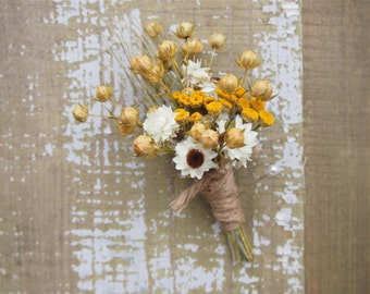 Hippie CHIC WEDDING Boutonniere - Dried Flowers are Perfect for Rustic Weddings