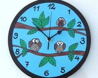 Round Wall Clock With Owls Painting