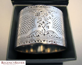 Victorian Antique (1887) French style Hallmarked Solid Sterling Silver Serviette NAPKIN RING. Guilloche decoration.
