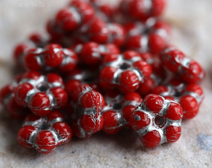 SILVERED CORAL VINCA .. New 20 Premium Czech Glass Flower Spacer Beads 5mm (6331-20)