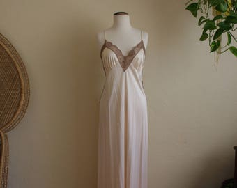 Vintage nylon cream lace JCPenneys night gown medium