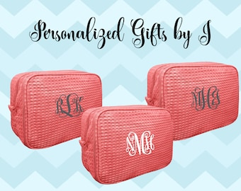 7 Bridesmaid Makeup Bag, Bridesmaid Waffle Cosmetic Bags, Bridal Party Gift, Bridesmaids Bag, Personalized Bridesmaid Gifts, Monogrammed