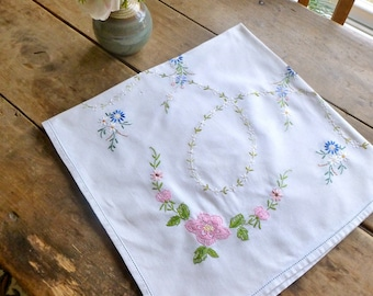 Vintage Linen Tablecloth with Hand Embroidered Flowers 84x82cm