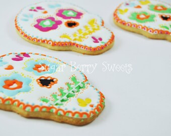 Sugar Skull decorated extra Large sugar cookies  - perfect halloween - dia de los muertos - day of the dead - party gift - cute = creepy
