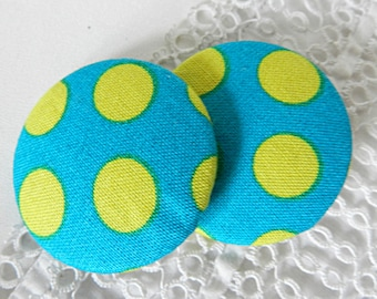 Button in turquoise fabric with yellow polka dots, 40 mm / 1.57 in