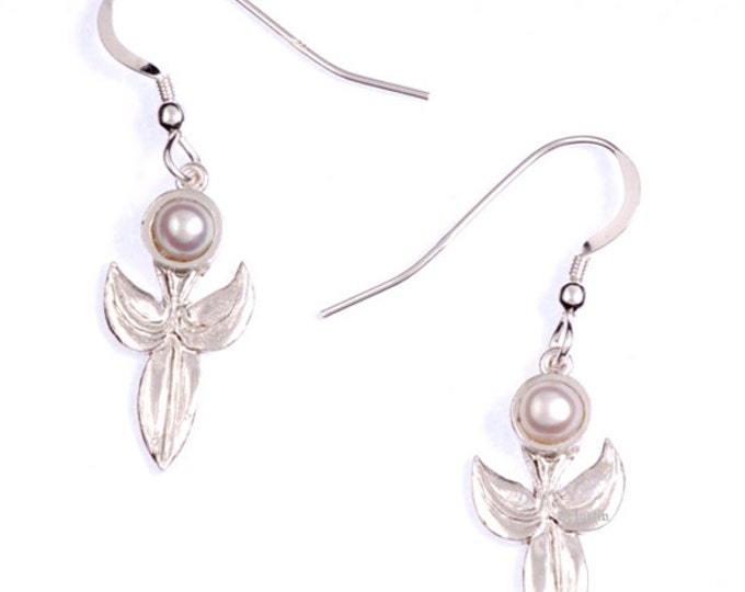 925 Sterling Silver leaf with Pearl drop earring-Hand Made in UK