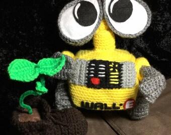 Crochet Wall-E amigurumi doll- Eve-Eva -crochet robot, boot plant, and eve