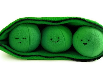 Peas in a Pod Plush Toy Sewing Pattern with Zipper - PDF Toy pattern to sew