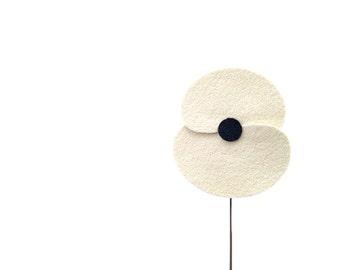 Poppy lapel pin, poppy boutonniere, poppy buttonhole, flower lapel pin, Remembrance day pin, white poppy brooch.