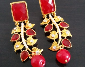 Metal and stones earrings - red stone,