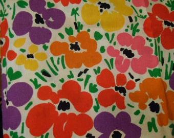 Flat waffle weave fabric, flowers