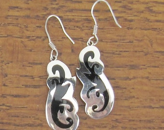 Sterling Silver Earrings Vintage Black Enamel Mexican Mexico jewelry TR-78 925 fish hook 8 grams