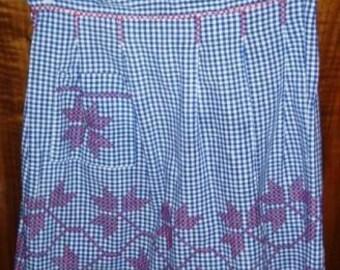 vintage apron ... RED LEAVES handiwork on BLUE checked vintage Apron ...