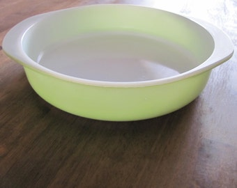 Vintage Lime Green 8 inch PYREX  Baking Dish # 33