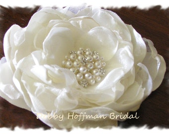 Bridal Flower Hair Clip, Floral Wedding Hair Comb, Wedding Flower with Pearls and Crystal, No. 005F3, Best Seller, Medium Wedding Flower