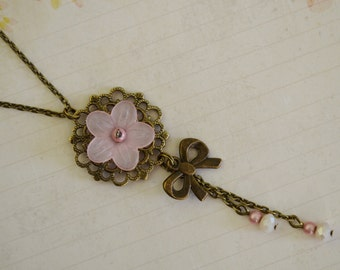 Necklace romantic pastel pink flower