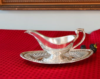 Silver Plate Gravy Boat with Tray - Two Piece Set - Silver Sauce Boat - Silver Plate Serving Set