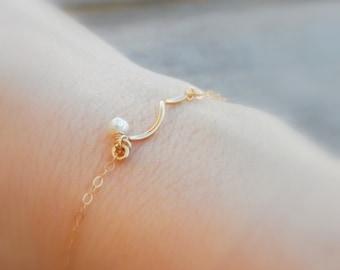 Wave bar bracelet, Gold Bracelet, Delicate Pearl bracelet, Bridesmaid bracelet, Bridesmaid jewelry