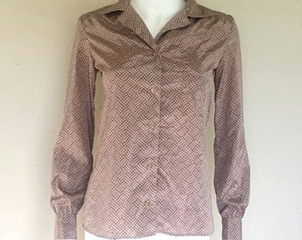 70s mauve print ladies button down long sleeve blouse  100% polyester/imitation silk feel  Sz medium