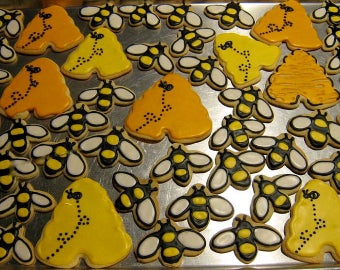 Bumblebee Sugar Cookies, Beehive Cookie, Decorated Cookies, Birthday Party, Wedding, Baby Shower Sweets, Yellow Dessert, Edible Food Gift
